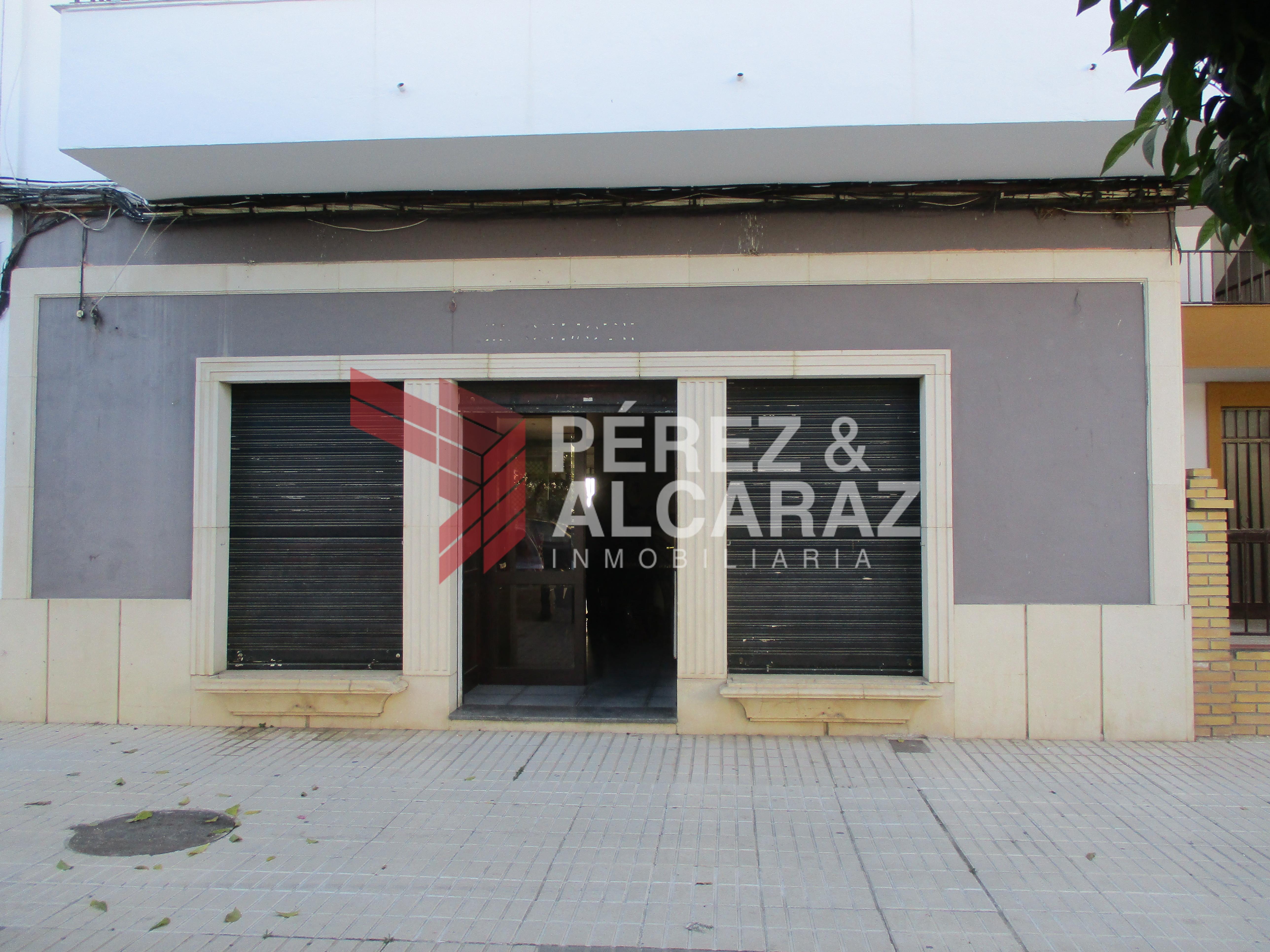 Local comercial Avda Mª Auxiliadora